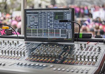 音響技術者